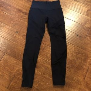 Black Lululemon cutout leggings size 8
